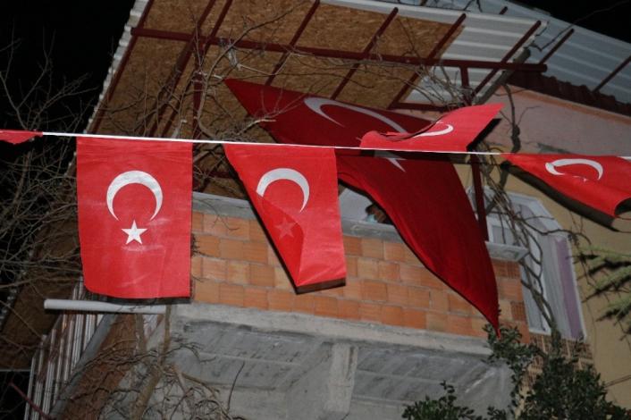 Kahramanmaraşlı Şehit Ast. Kd. Başçavuş Mehmet Demir´in ailesine acı haber verildi