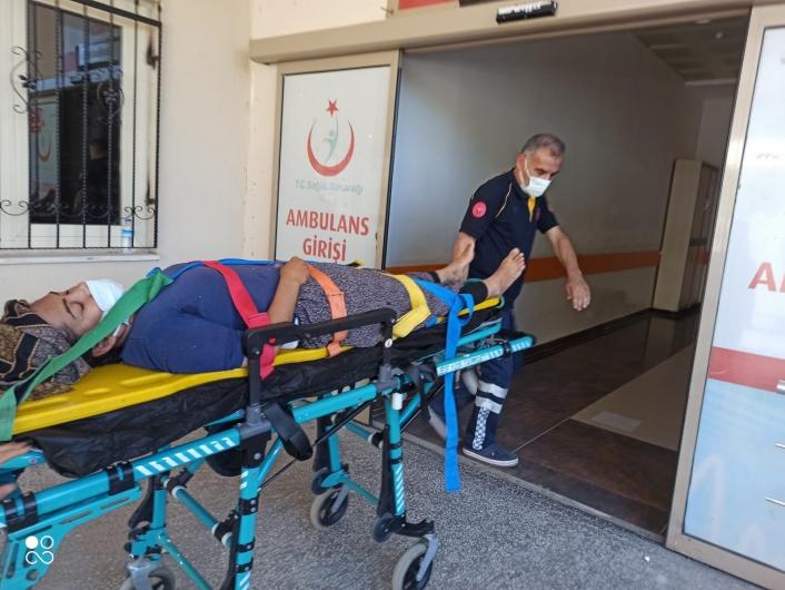Kahta´da damdan düşen kadın ağır yaralandı