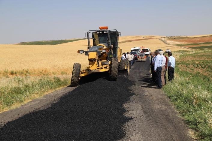 Kahta köy yollarında bakım ve onarım çalışmaları başladı