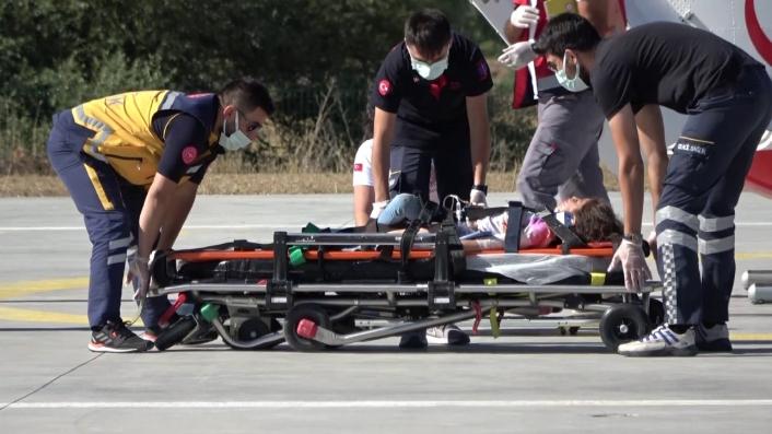 Kazada ağır yaralanan 5 yaşındaki çocuk, ambulans helikopterle hastaneye sevk edildi
