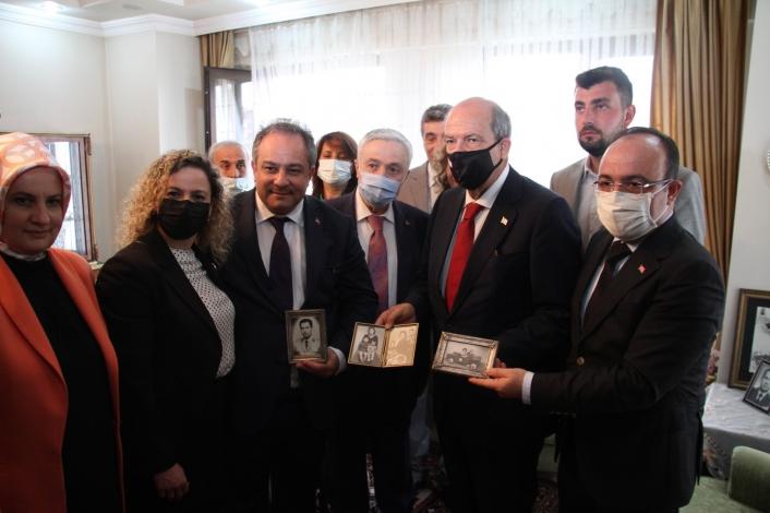 KKTC Cumhurbaşkanı Tatar, Nihat İlhan´ın evini ziyaret etti