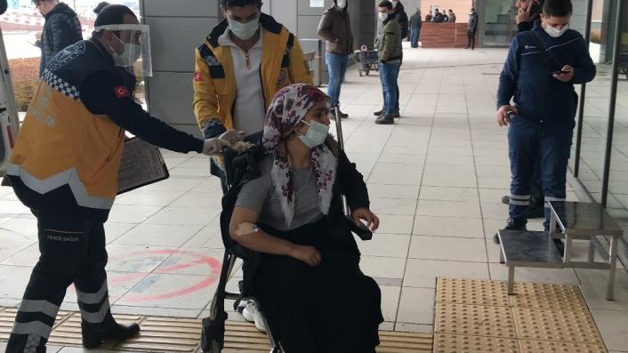 Kocasının bıçakladığı 1 çocuk annesi, polis merkezine sığındı