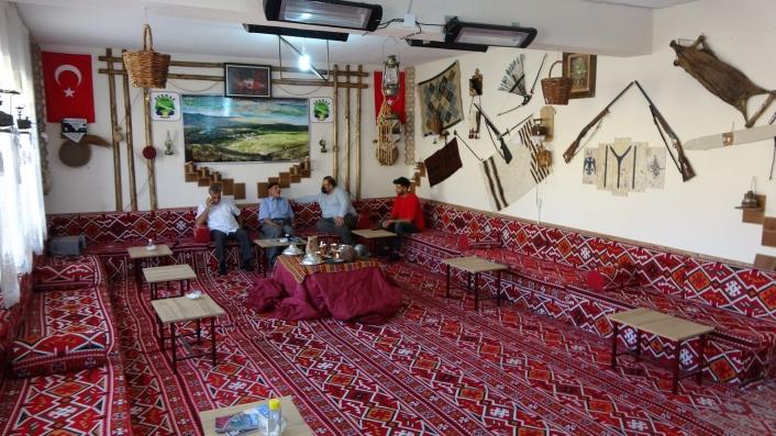 Köylüler atıl durumdaki okulu onararak müzeye çevirdi, içinde 300 yıllık tarihi eserler var