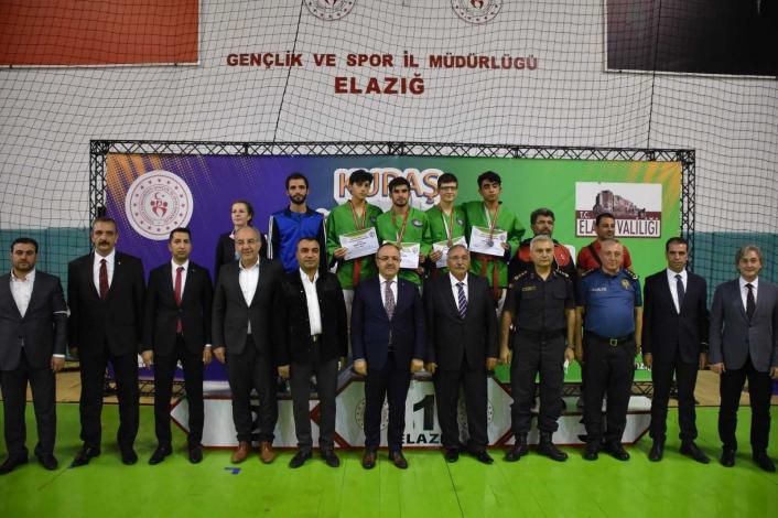 Kuraş Türkiye Şampiyonası Elazığ´da başladı
