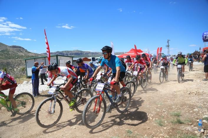 Levent Vadisi´nde dağ bisikleti kupa yarışı