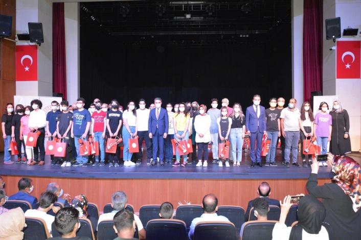LGS ilk 100´e giren öğrenciler ödüllendirildi