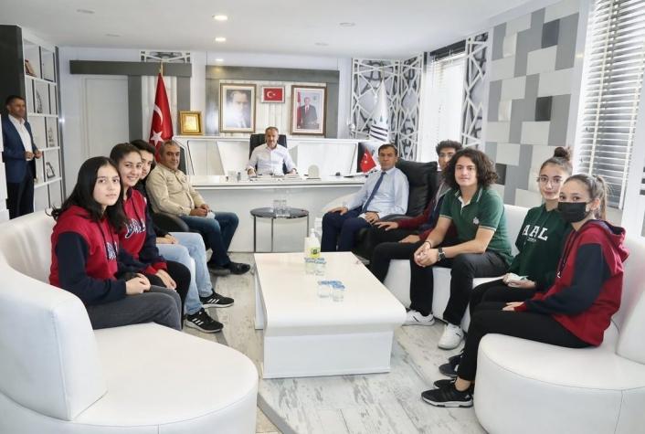 Lise öğrencileri okullarının sorunlarını Başkan Kılınç´a iletti