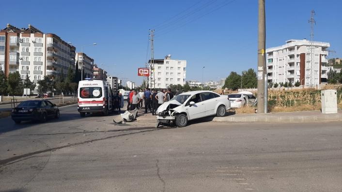 Mahalle sakinleri kazaların meydana geldiği kavşağa sinyalizasyon istiyor