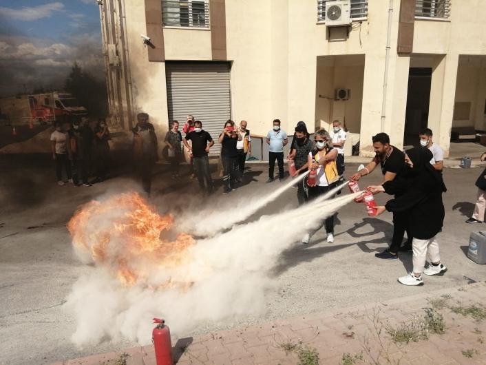 Malatya 112 çalışanlarına tahliye ve yangın söndürme tatbikatı