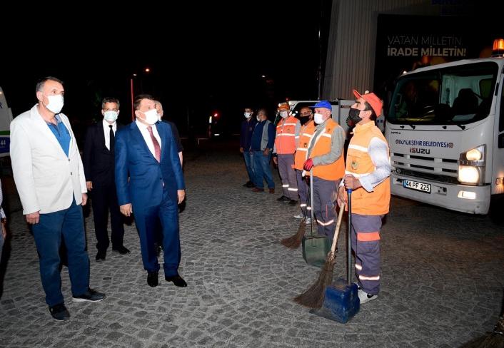 Malatya Büyükşehir ekipleri 7/24 görev başında