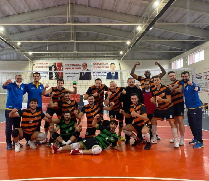 Malatya Büyükşehir Voleybol, Dinamik Gençlik´i 3-2 mağlup etti