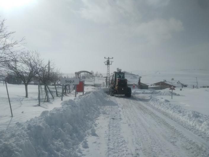 Malatya´da kar nedeniyle 698 mahalle yolunu ulaşıma açtı