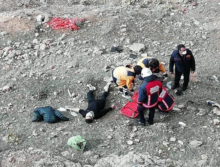 Malatya´da uçuruma yuvarlanan genç yaralandı