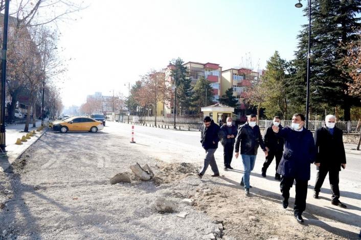 Malatya İstasyon Caddesinde yol genişletme çalışmaları sürüyor