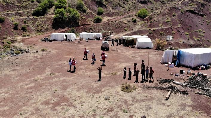 Mangal kömürü işçilerinin çadırda yaşamı başladı