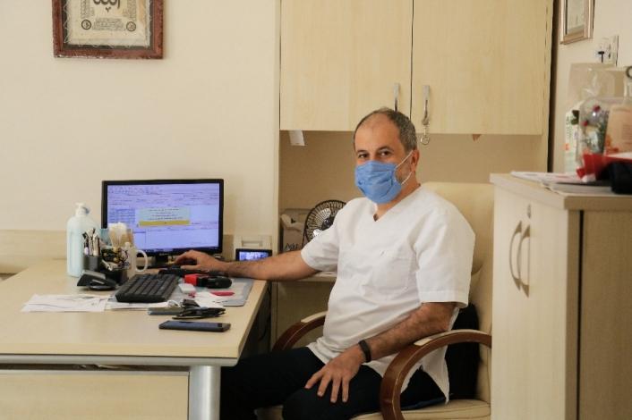Maskesiz sağlık merkezinde girdi, ceza olarak 3 gün çalıştı