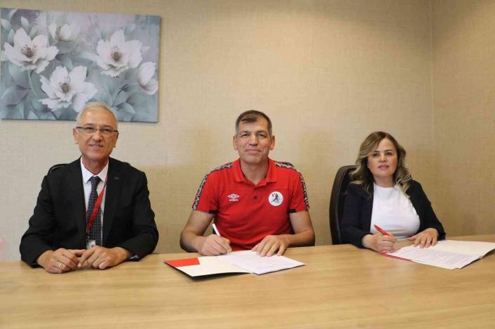 Medical Park Elazığ Hastanesi, ESYSK ile sağlık sponsorluğu anlaşmasını yineledi
