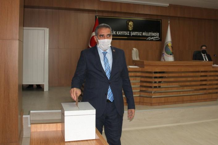 Mehmet Can Erdoğan yeniden başkanlığa seçildi