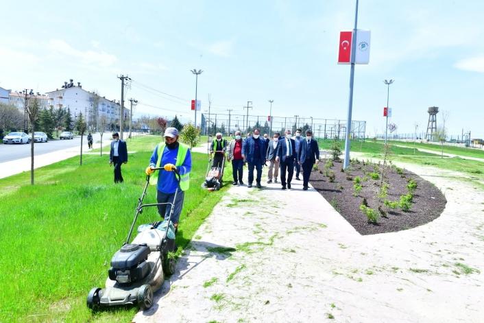 Mehmet Çınar, park ve yeşillendirme hizmetlerini inceledi
