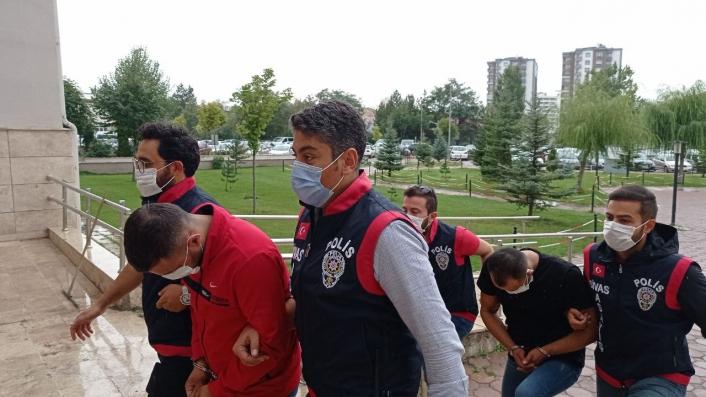 Meşhur köftecilere giren hırsızlar polisten kaçamadı