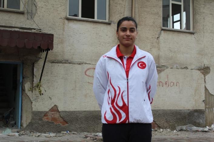 Milli badmintoncu Aliye, Elazığ Belediyespor´da