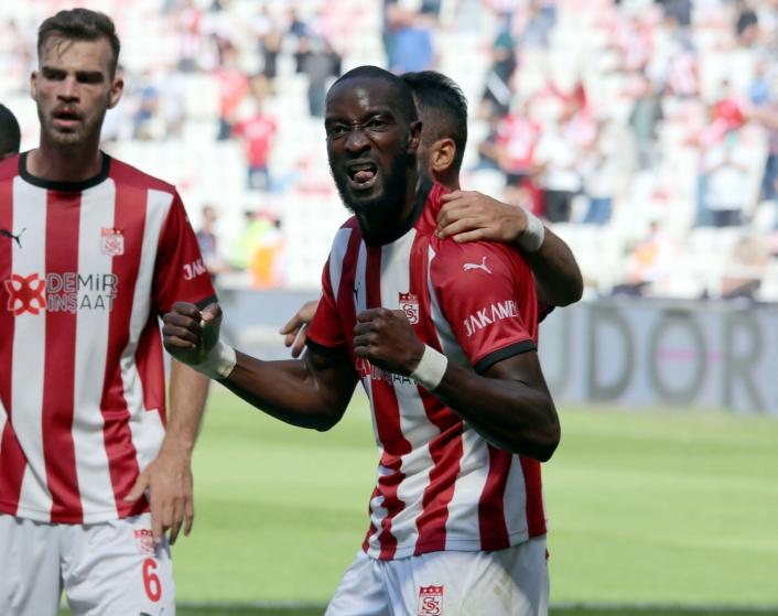 Mustapha Yatabare ligdeki ilk golünü attı