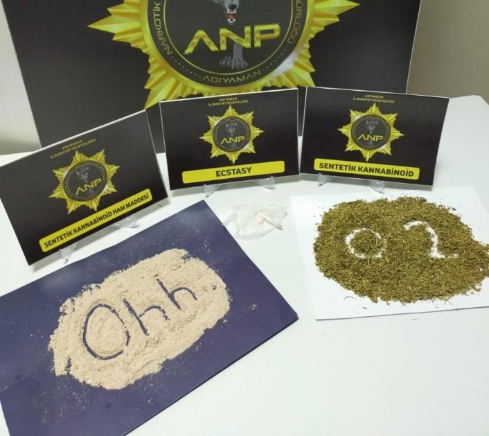 Narkotik polislerinden `Ohh´ mesajı