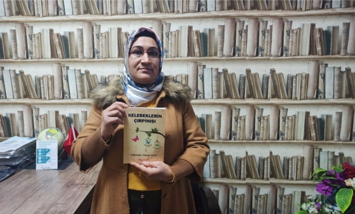 Ortaokulu okuyamayan 3 çocuk annesi gizli gizli tuttuğu notları kitaba dönüştürdü