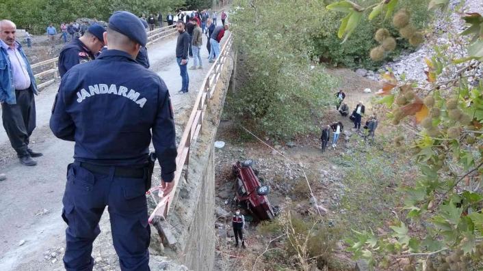 Otomobil köprüden aşağıya uçtu: 1 ölü