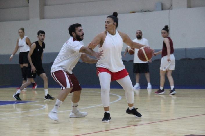(Özel haber) Elazığ İl Özel İdare Kadın Basketbol Takımı hazırlıklara başladı