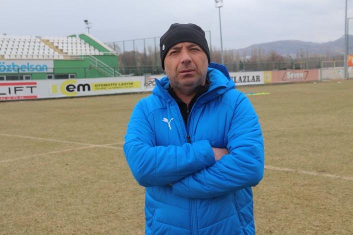 Özer Karadaş: