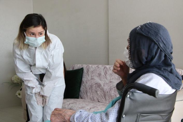 Pandemiye rağmen, evde sağlık hizmeti kesintiye uğramadı