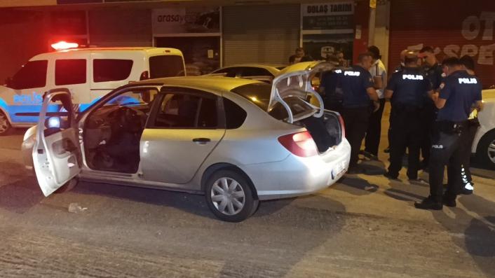 Polis ekiplerinin önünü kestiği araçtan uyuşturucu çıktı