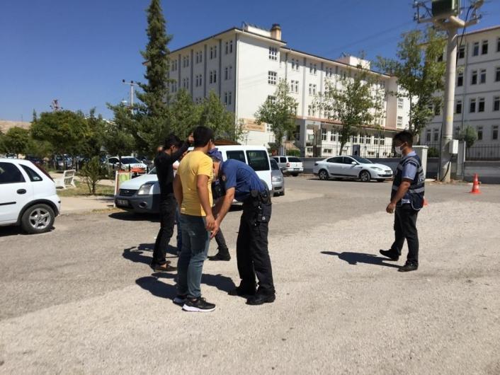 Polis okul önlerinde önlem aldı