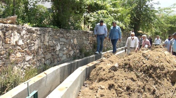 Pütürge merkezde sulama suyu kanalları yenileniyor