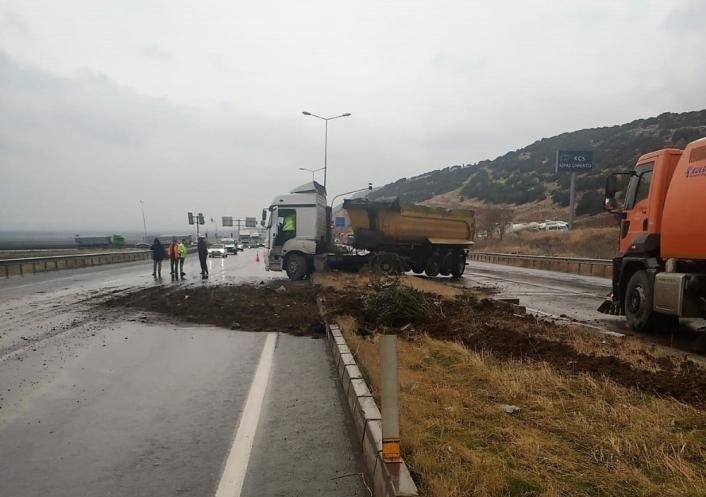 Refüje çıkan kamyonun sürücüsü yaralandı
