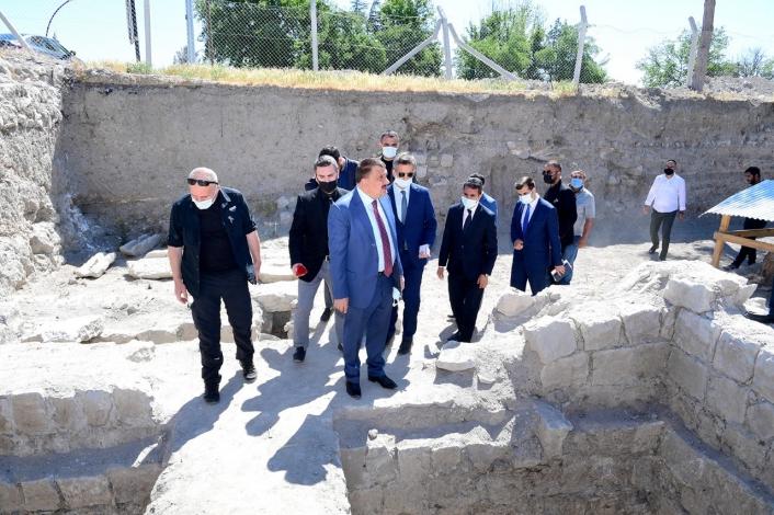 Şahabiyye-i Kübra Medresesinde çalışmalar devam ediyor