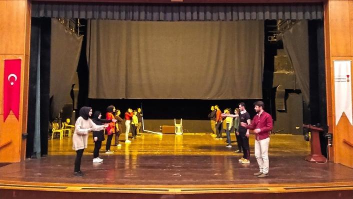 Sahne Maraş´ta Tiyatro Okulu´nda eğitimler başladı