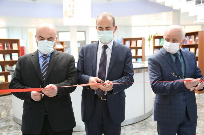 SCÜ´de Yunus Emre ve Türkçe kitap sergisi açıldı