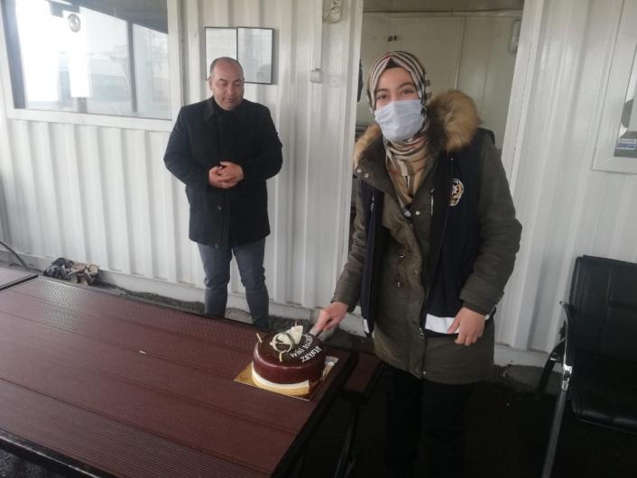 Şehidin polis kızına doğum günü sürprizi