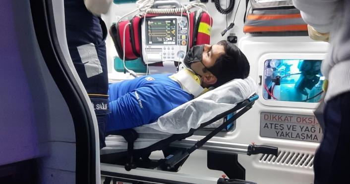 Sipariş tesliminden dönen kurye kaza yaparak yaralandı