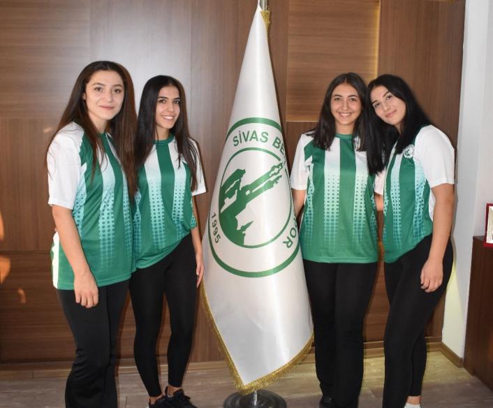 Sivas Belediyespor Hentbol Takımı´nda 4 transfer birden