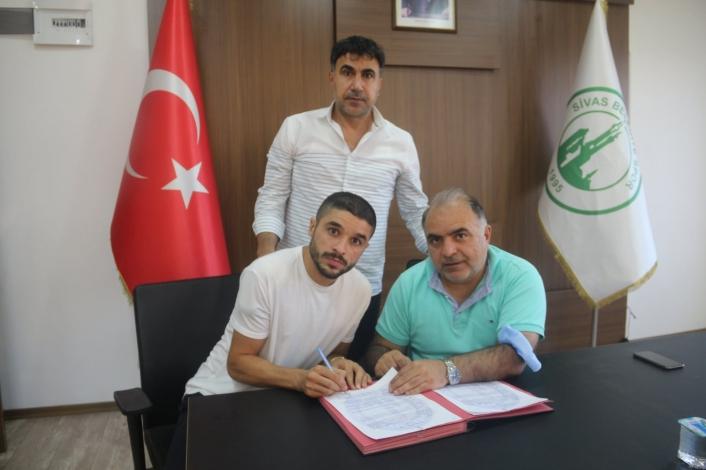 Sivas Belediyespor, İbrahim Yakup İnal´ı transfer etti