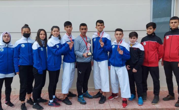 Sivas Belediyespor karate takımı Türkiye 3.´sü oldu