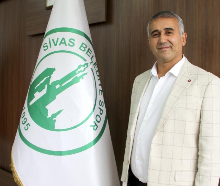 Sivas Belediyespor Kulüp Başkanı Hakan Genç, taraftarları maça davet etti