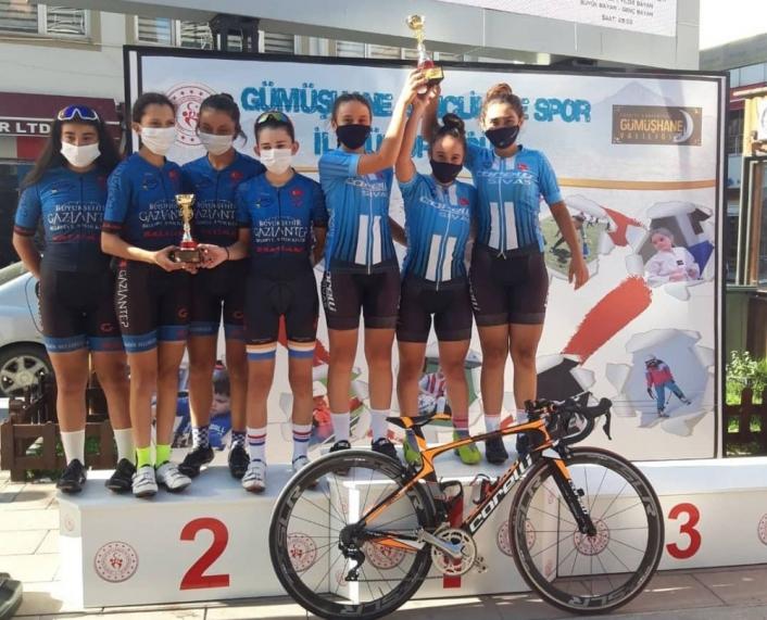 Sivas bisiklet takımı Türkiye Şampiyonu oldu
