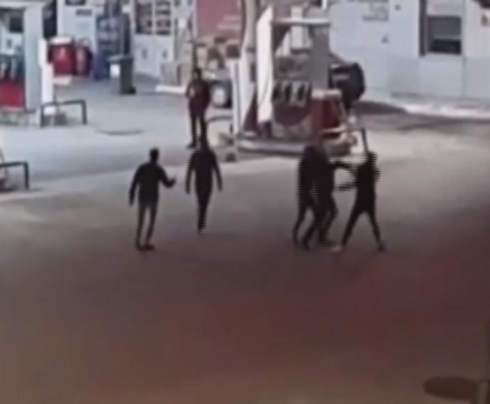 Sivas´ta 3 kişinin yaralandığı pompalı tüfekli, bıçaklı kavga kamerada