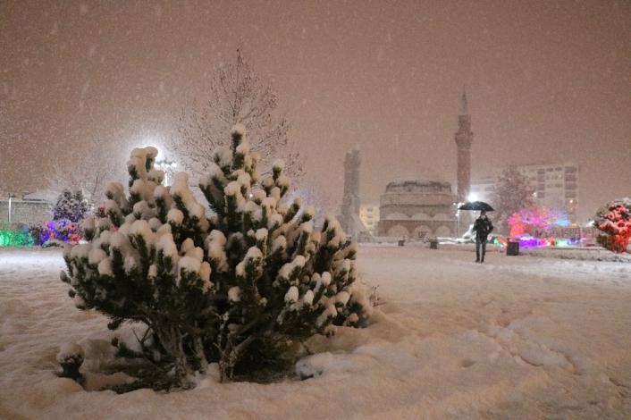Sivas´ta kar yağışı kartpostallık görüntüler oluşturdu