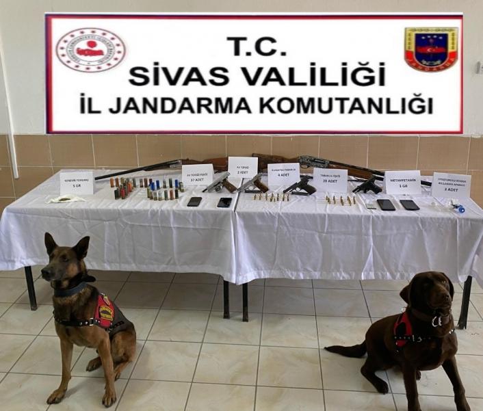 Sivas´ta uyuşturucu ve kaçakçılık operasyonu