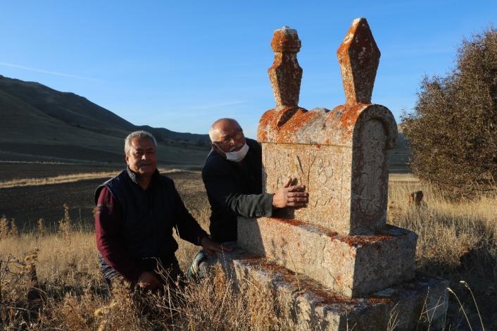 Sivas´ta yaşatılan lahit mezar kültürü yok olmak üzere